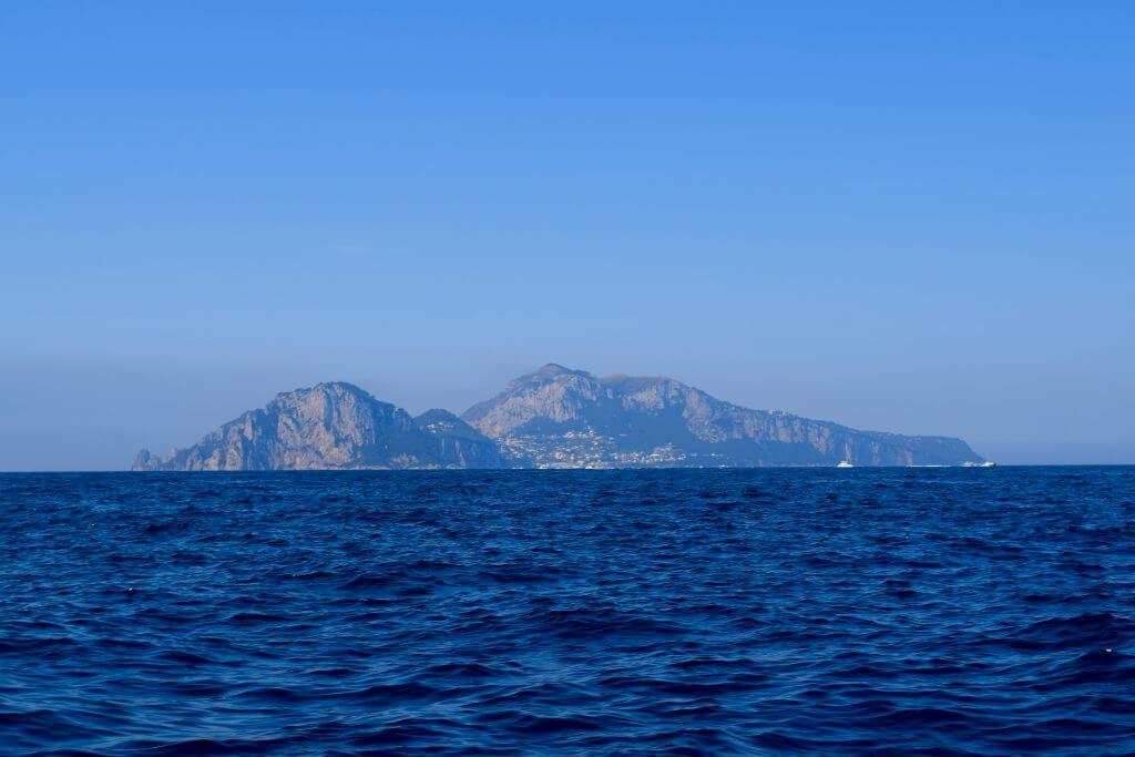 Isle of Capri. 2 Weeks In Italy www.travelsofjenna.com/2-weeks-in-italy
